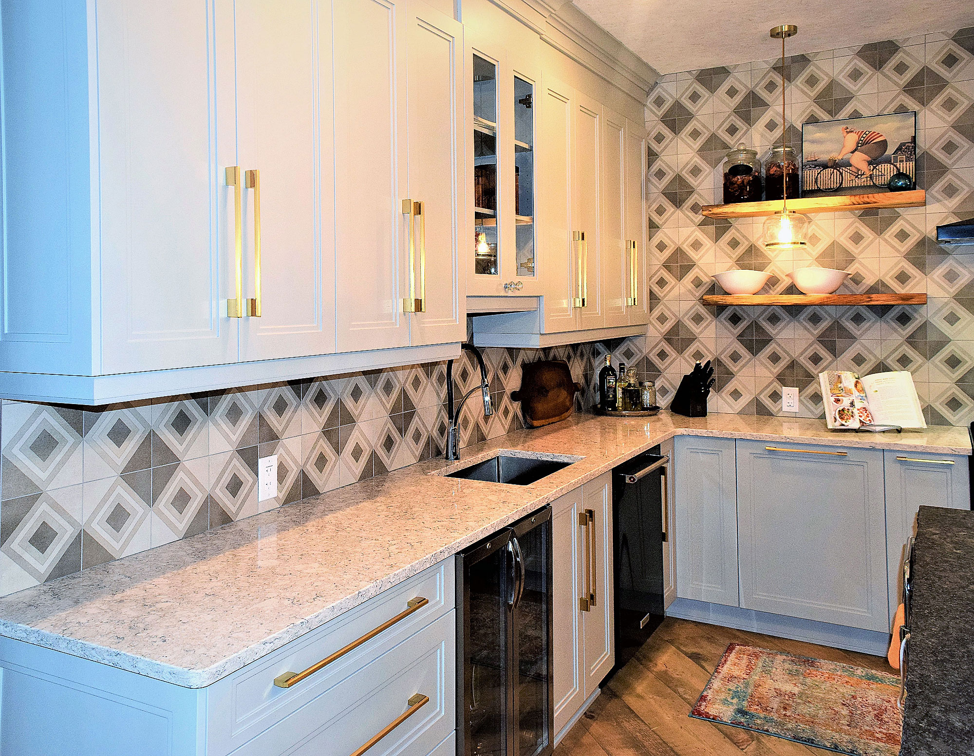 Luxor custom cabinets - Kitchens Ontario